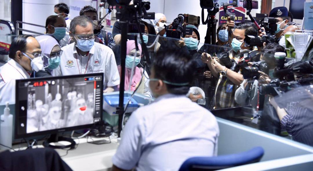 网传中国包裹带武汉肺炎病毒