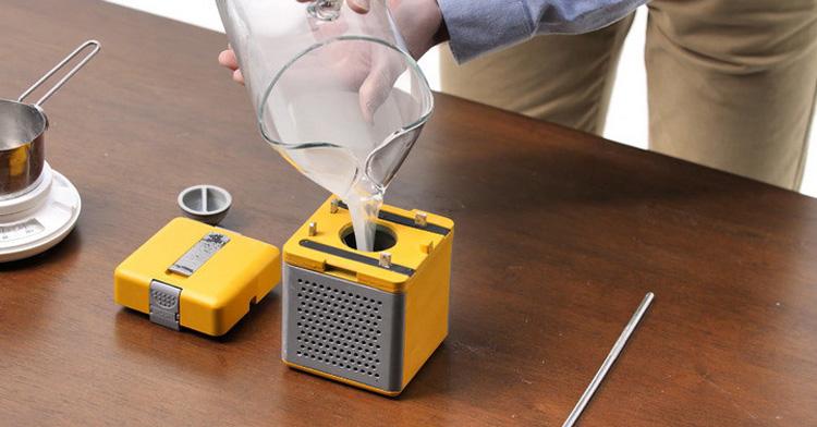 加盐水就可使用的充电宝HydraCell