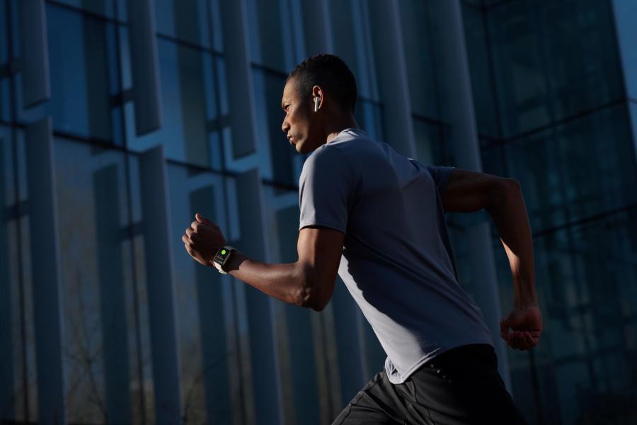 """安卓智能手表中的""""旗舰""""OPPO Watch:全球首款同时搭载谷歌WearOS和双曲面设计,顶级功能+AI穿搭表盘,科技与时尚的结合! 7"""